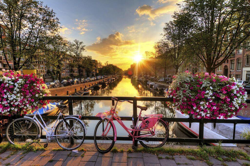 cannaux-amsterdam